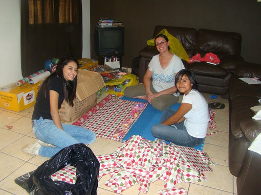 Stephanie, Britney, and Bea -volunteer friends from church and missionary network