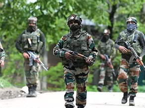 Kashmir: 3 militants killed in an encounter by the security forces.