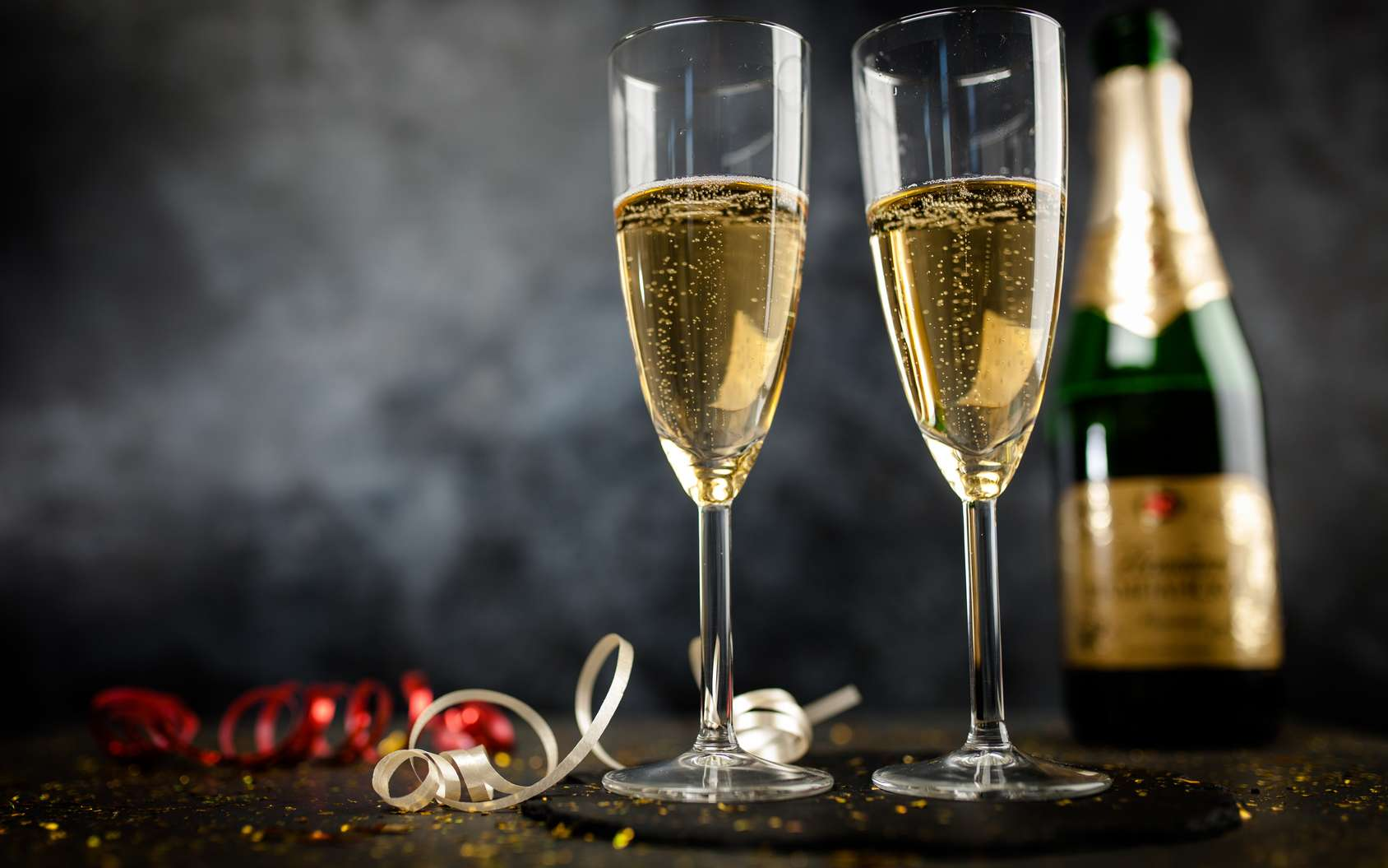 5eed5a82c6_117636_bouteille-champagne-flute
