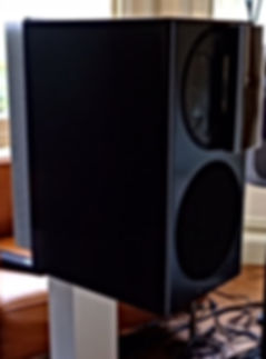 Purité Audio's Basalt grey Manger C-1