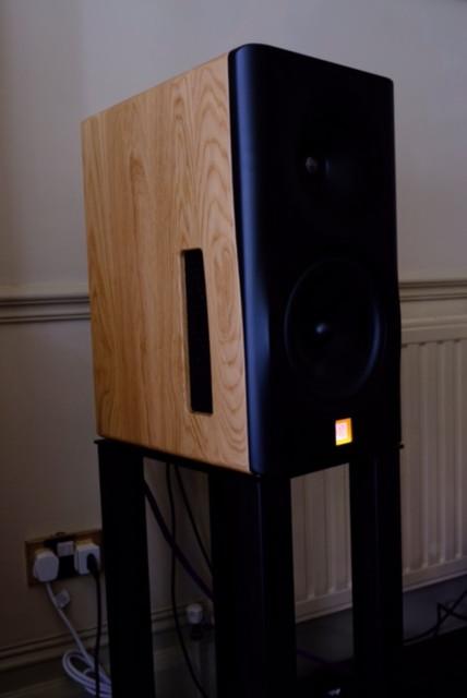8C oak cabinet black baffle