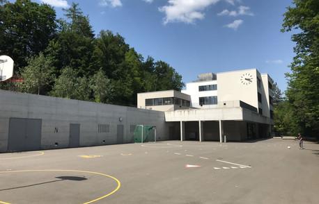 Schulhaus_Widacher_Rüti1.JPG