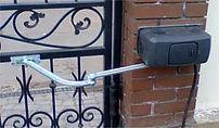 Автоматика на кованых распашных воротах