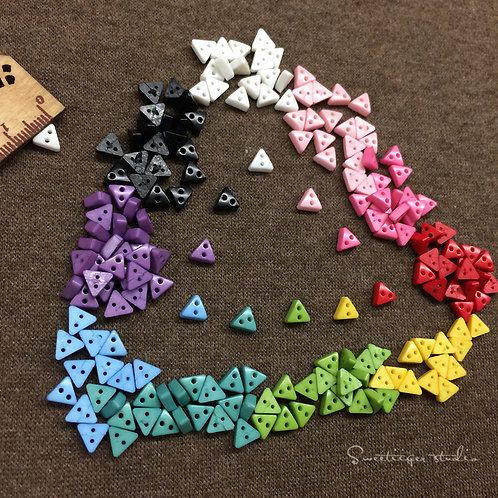 Tiny button 10 colors special doll clothes 10 pic. Triangle
