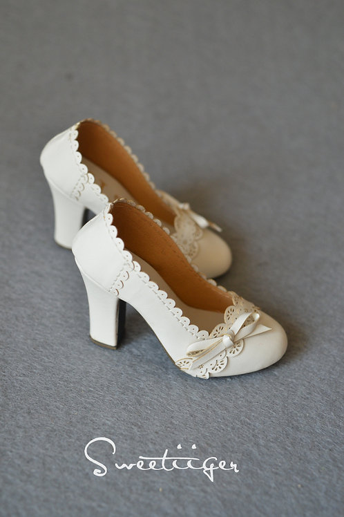 1/3 BJD shoes White carved lace high heels