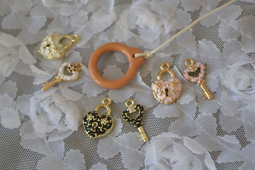 Blythe pull ring noble metal key & lock 2 sets