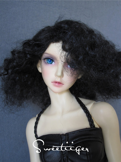 "Manmade-Mohair 8-9"" Doll wig"