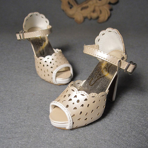 1/3 BJD shoes carved toes nude pearl high heels