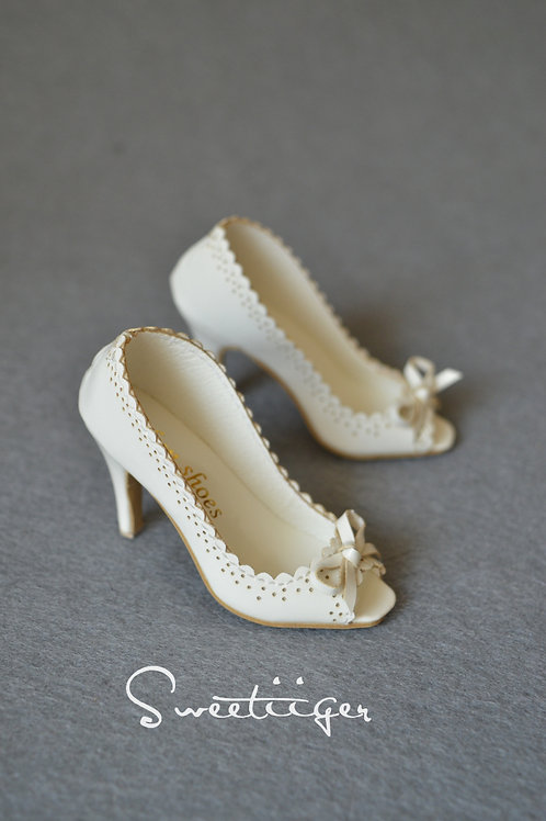 1/3 BJD shoes White carved open-toed high heels
