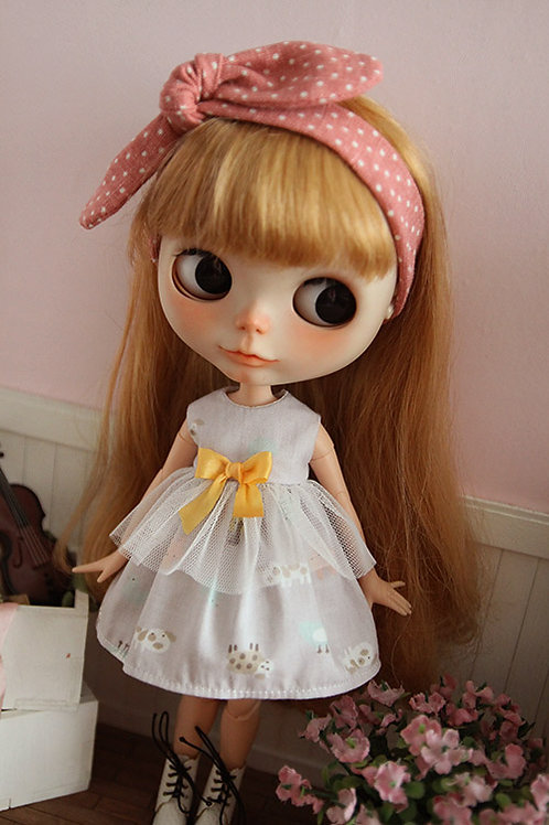Blythe/Pullip sweet lace grey puppy dress