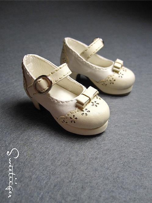1/6 BJD carved ivory flower heeled shoes
