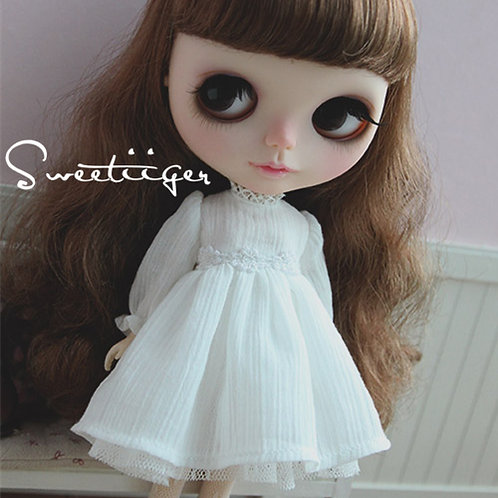 Blythe/Pullip elegant white Chiffon lace dress