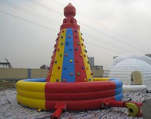 надувная башня фото