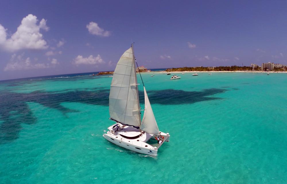 Isla-Mujeres-Catamaran-Adventure