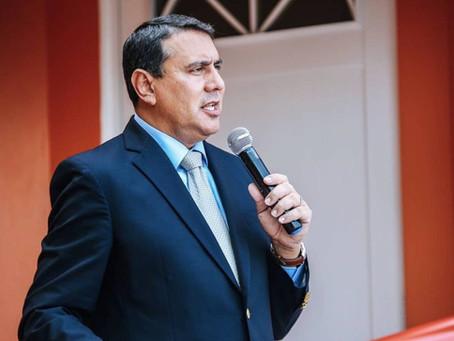 A batallar contra tumor canceroso el presidente de la Asociación de Alcaldes José 'Joe' Román Abreu