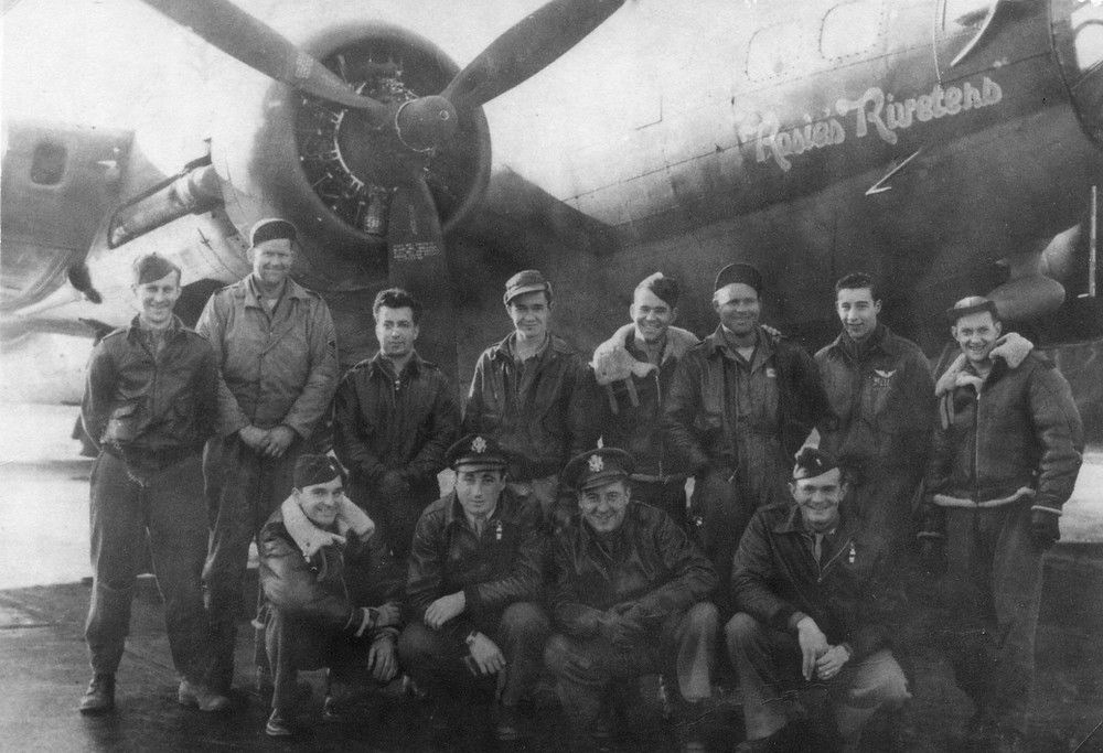 The crew of 'Rosie's Riveters'. The only 100th Bomb Group crew to return to Thorpe Abbotts after the Munster mission