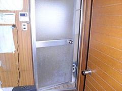 浴室扉交換工事(開き戸→折れ戸)