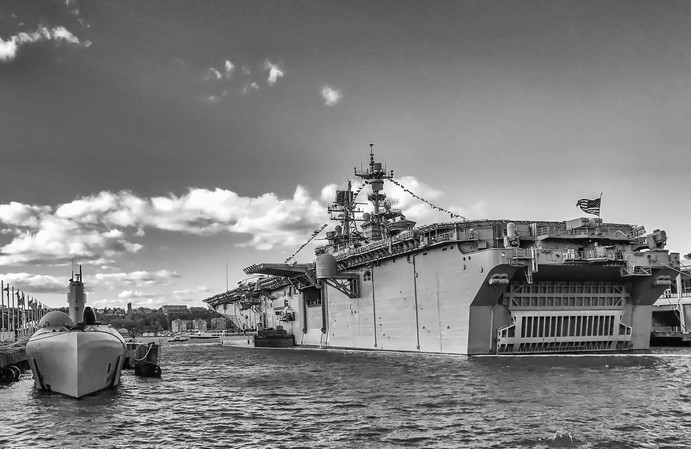 Growler and Iwo Jima (LHD-7)