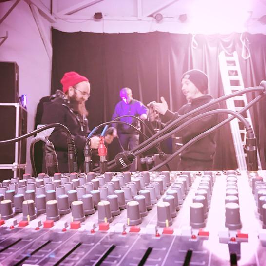 KLANG. WORKSHOP. ZWEI Tontechnik: Einstieg in die Welt der Elektroakustik mit RICCARDO CASTAGNOLA 01