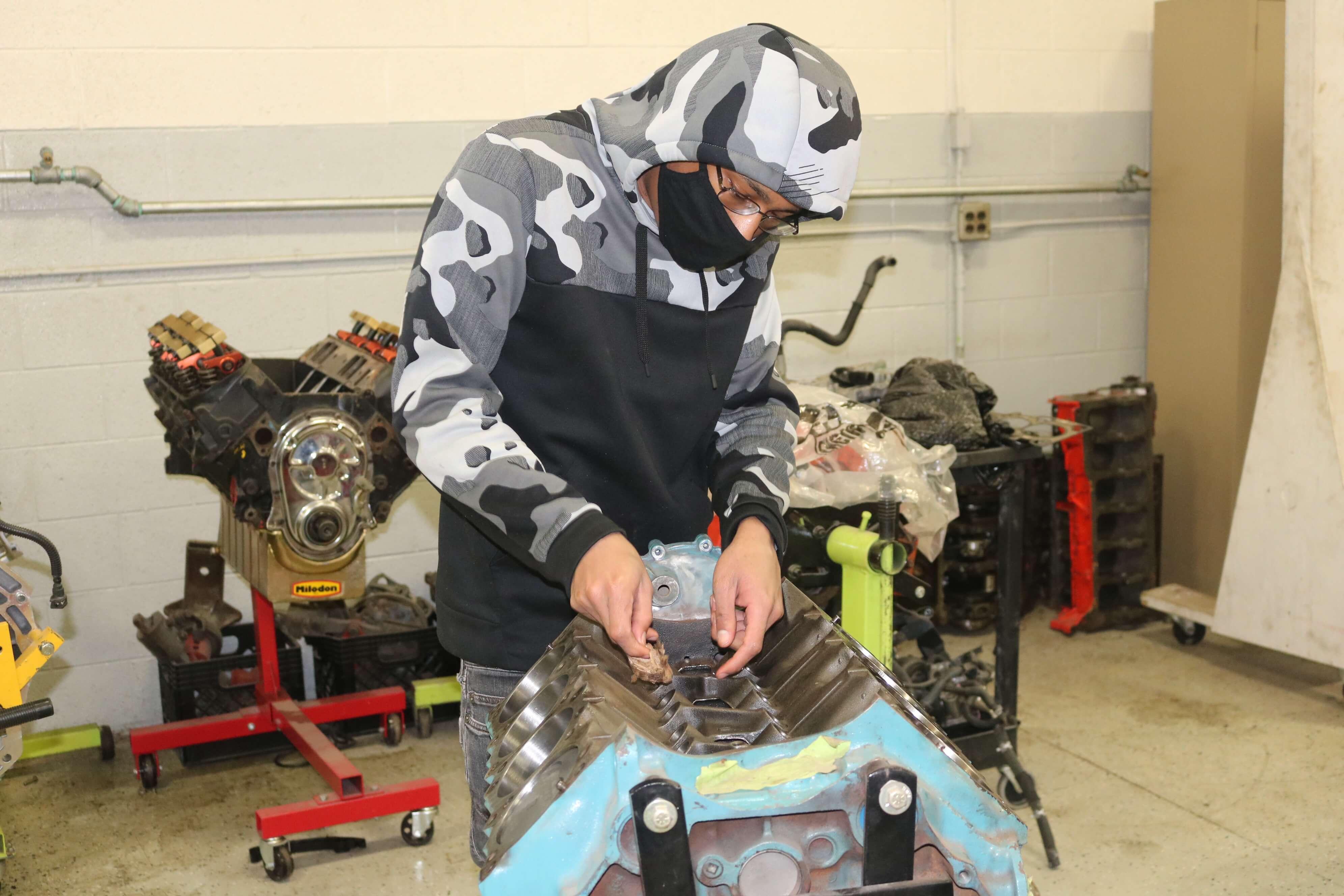 Rebuilding a 455 C.I. Pontiac