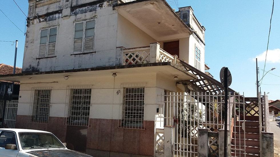 Rua Azarias de Brito Sobrinho, 46-50-56 – Centro