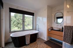 Ensuite bathroom at the Lair
