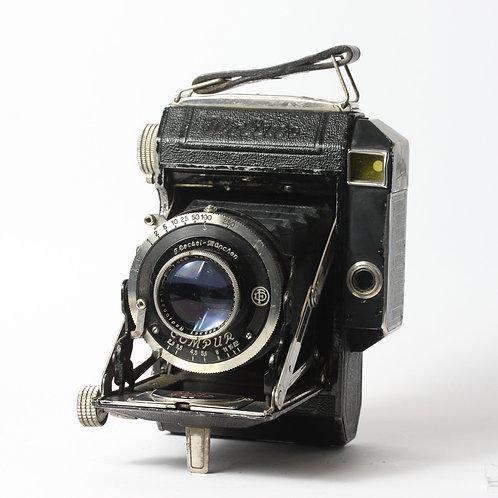 Zeiss Super Ikonta A (530) 6x4.5 Folding Camera
