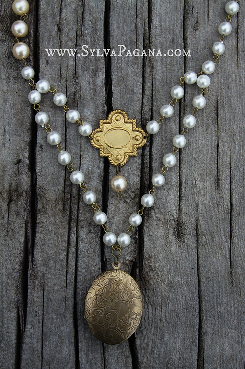 Perfume Necklace - Lady of Pearls
