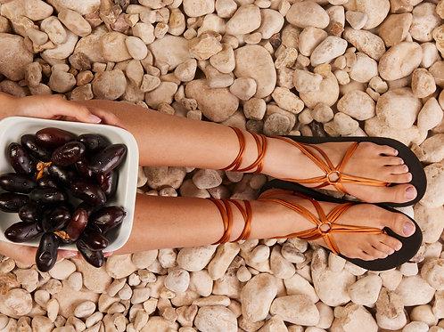 סנדל קיץ עם שרוכים ארוכים - חום ברונזה