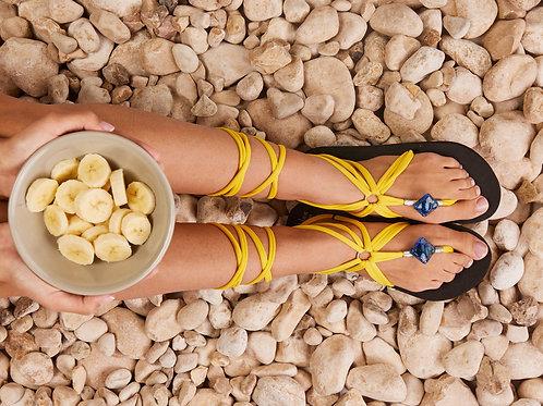 סנדל קיץ עם שרוכים ארוכים - צהוב