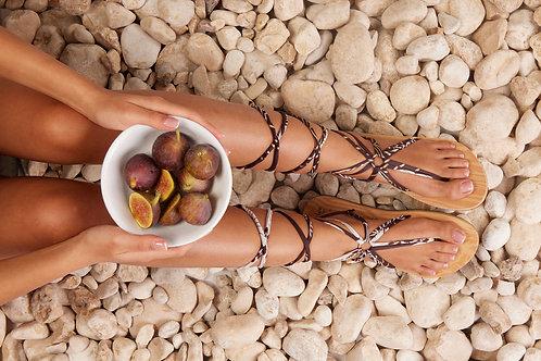 סנדל קיץ עם שרוכים ארוכים - שוקולד וניל