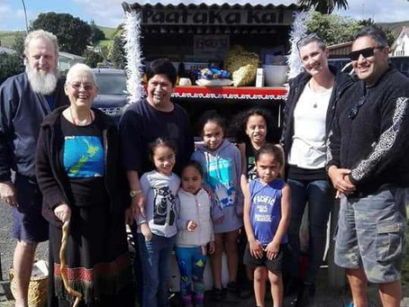 Paataka Kai – Community food stands
