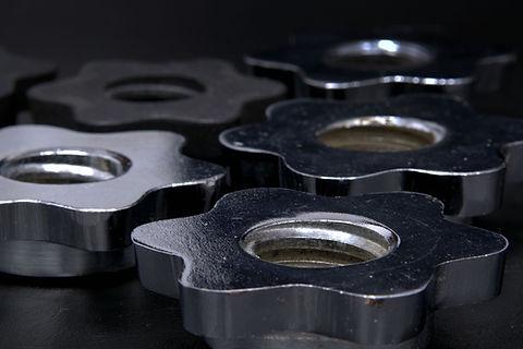 Reparto de placas de hierro