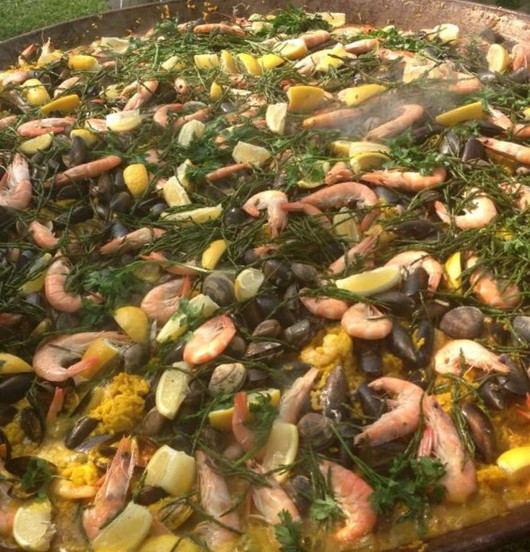 13. paella-catering-somerset-seafood-pae