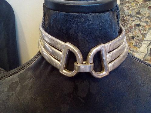 Collier ras du cou métal argenté
