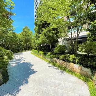 入口處花園步道