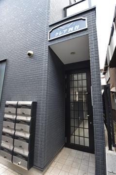 建物入り口2.JPG