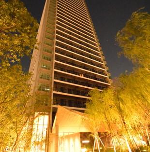 建築外觀夜景.jpg