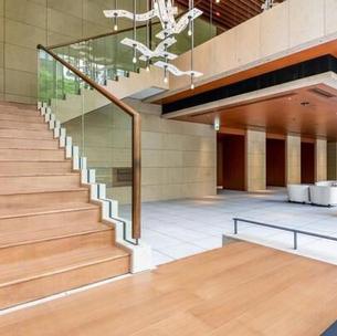 大廳入口樓梯