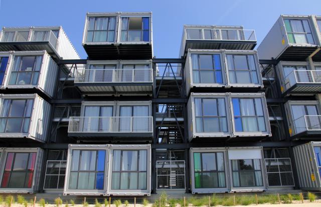 containers aménagés: solution rapide face à la crise du logement