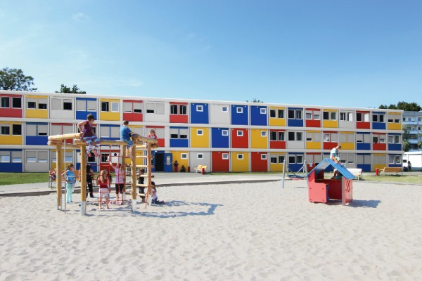 ecole enfants construction container 600
