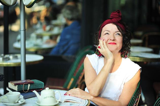 Portrait Anne Cazaubon, auteure1).jpg