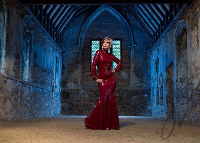 Latex, Lanterns and urbex..urbex and night shoots with Laura Draycon! RE SCHEDULED 24/25 JUNE!!!!