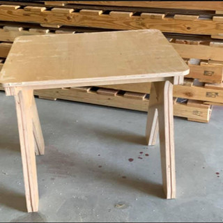desk 2.jpg