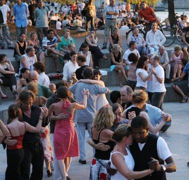8-danses-quai-saint-bernard.jpg