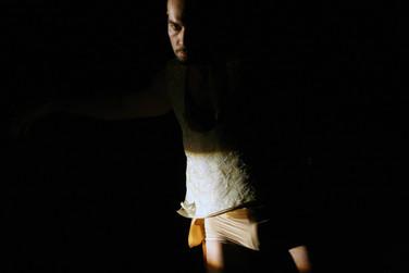 Choreographer:   Company: DC II High / Danskern Utrecht Lightdesign:  Niko van der Klugt  Theater aan de Werf Utrecht