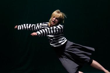 Choreographer:  Hans Tuerlings Company:  RAZ / HANS TUERLINGS Lightdesign:  Niko van der Klugt  Stadsschouwburg Tilburg