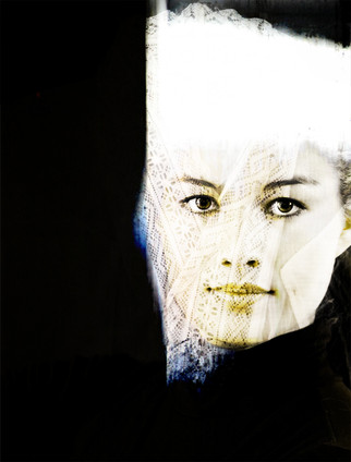 60 W x 90 H cm  lambda print/dibond/acrylic Limited edition (7+1)    Model: Lucia @2017 / Portrait / 16l