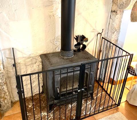 Goutoulas log burner