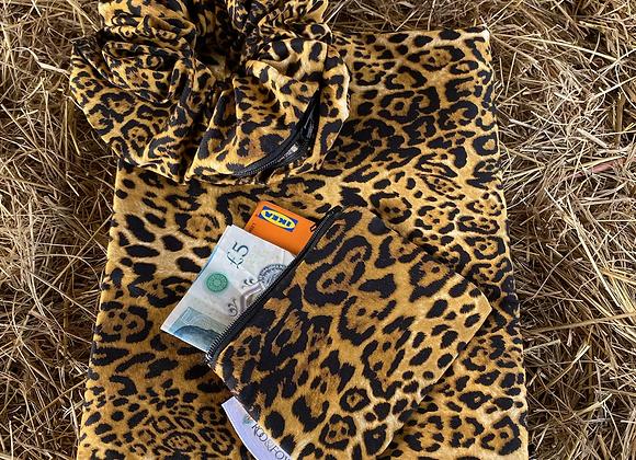 Leah Roo ( Leopard print)